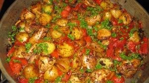 pollo con patate e pomodorini